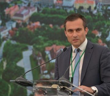 Brașovul a pus România pe harta conferințelor de mediu din Europa. Trei zile de exemple de bună practică, soluții, studii de caz, oportunități de finanțare pentru ca orașele din România să devină mai prietenoase cu mediul