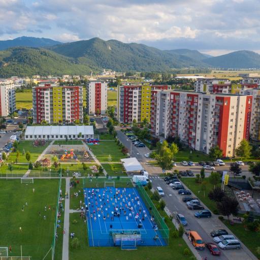 """Avantgarden3 - """"MAURER IMOBILIARE PEDALEAZĂ""""."""