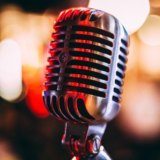 Lounge pt tineri cu un radio online - Piata Sfatului